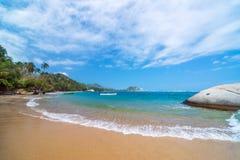Karibischer Strand in Kolumbien Lizenzfreies Stockbild