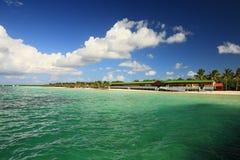 Karibischer Strand mit Veranda Lizenzfreie Stockfotos