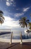 Karibisches Meer des Infinty Pools Stockbilder