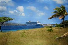 karibisk hamnship Arkivbild