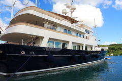 karibisk mega yacht Royaltyfri Fotografi