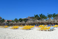 Karibisk strand i Cancun Mexico Arkivfoton