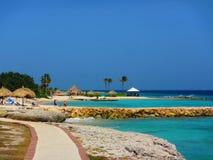 Karibisk strandsemesterort, Curacao Arkivfoto