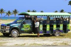 Karibiska turist- bussar Arkivbild