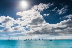 Karibiskt Barbados landskap med fartyg royaltyfria foton