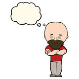 Karikatur entsetzte kahlen Mann mit Bart mit Gedankenblase Lizenzfreie Stockfotografie
