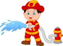 Karikatur-Feuerwehrmann gießt aus einem Feuerlöschschlauch Stockbild