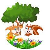 Karikatur mit zwei Eichhörnchen mit leerem Zeichen Lizenzfreie Stockfotografie