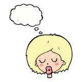 Karikaturfrau mit Augen schloss mit Gedankenblase Stockbilder