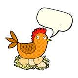 Karikaturhenne auf Eiern mit Spracheblase Lizenzfreie Stockfotografie