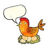 Karikaturhenne auf Eiern mit Spracheblase Stockfotografie
