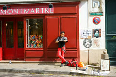Karikaturist in Montmartre Lizenzfreies Stockfoto