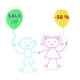 Karikaturjunge und -mädchen mit den Ballonen gezeichnet durch Kreide auf weißem backg Lizenzfreie Stockfotografie