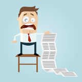 Karikaturmann mit langer Aufgabenliste Stockfoto