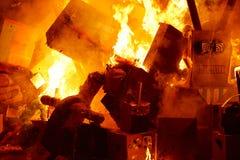 Karikaturzahlen populären Fest Fallas brennende stockfotos
