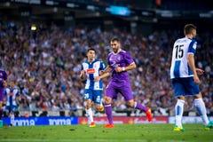 Karim Benzema joue à la correspondance de Liga de La entre les CF de RCD Espanyol et de Real Madrid Image stock