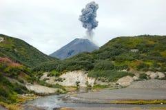 Karimskiy-Vulkaneruption in Kamchatka Lizenzfreie Stockfotografie