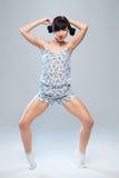 Karismatisk flicka i pyjamas Royaltyfri Fotografi