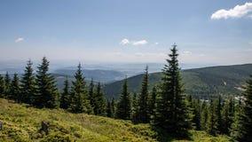 Karkonosze bergsikter och Trekking Arkivbild