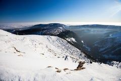 Karkonosze de Sniezka Snezka, no inverno Imagens de Stock