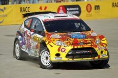 Karl Kruuda av Estland och Martin Jarveoja av Estland i deras FORD Fiesta S2000 Arkivbilder
