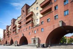 Karl-Marx-Hof byggnad i Wien, Österrike. Huvudsaklig sikt för främre vägg. Arkivfoto