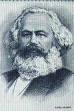 Karl Marx stående från gamla tyska pengar Royaltyfri Foto