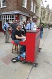 Karl Mullen uliczny fortepianowy gracz Zdjęcia Royalty Free