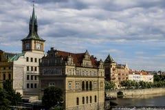 Karlov Bridżowy i Stary Praga widok Zdjęcia Stock