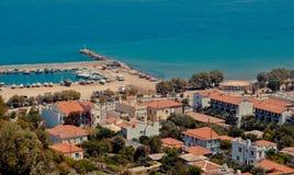 Karlovasi海岸和小游艇船坞,萨莫斯岛,希腊 免版税图库摄影