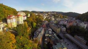 Karlovy ciudad del balneario varía o de Carlsbad, tiro aéreo checo hermoso almacen de video