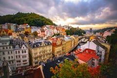 Karlovy unterscheiden sich abend lizenzfreie stockbilder