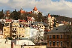 Karlovy unterscheiden sich Stadt Stockfotos