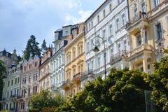 Karlovy varía la calle foto de archivo