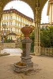 Karlovy varía la primavera mineral Imagen de archivo