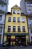 Karlovy varía la casa vieja Imágenes de archivo libres de regalías