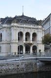 Karlovy-varieer, 28 Augustus: De oude Theaterbouw in Karlovy varieert in Tsjechische Republiek Royalty-vrije Stock Foto