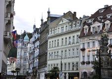 Karlovy-varieer, 28 Augustus: De straatmening bij schemer in Karlovy varieert in Tsjechische Republiek Stock Afbeelding