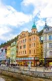 Karlovy varierar, den Cszech republiken - Januari 01, 2018: Invallningen av den Tepla floden i mitten Royaltyfri Foto