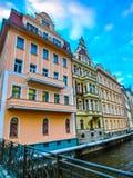 Karlovy varierar, den Cszech republiken - Januari 01, 2018: Invallningen av den Tepla floden i mitten Royaltyfria Foton