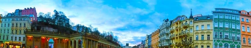 Karlovy varierar, den Cszech republiken - Januari 01, 2018: Panoraman av mitten av Karlovy varierar Arkivbild