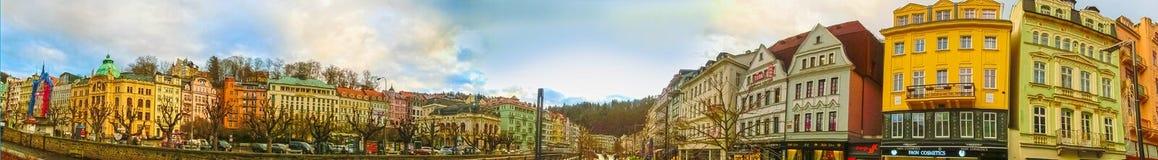 Karlovy varierar, den Cszech republiken - Januari 01, 2018: Panoraman av mitten av Karlovy varierar Royaltyfria Bilder