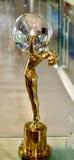 Karlovy varierar den internationella filmfestivalutmärkelsen Arkivbild