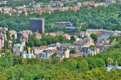 Karlovy Vary-Ansicht von Diana-Aussichtsturm Karlovy unterscheiden sich Tschechische Republik stockbilder
