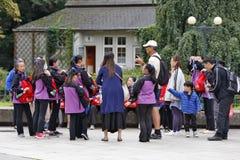 Karlovy Vary, Tschechische Republik - asiatische Schulegruppe Stockfotografie