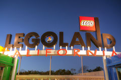 KARLSBAD, CA, AM 5. FEBRUAR: Legoland im Sonnenuntergang am 5. Februar 2014 ist a lizenzfreie stockfotografie