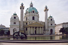Free Karlskirche Church In Vienna, Austria. Royalty Free Stock Images - 1059269
