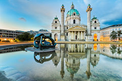 Karlskirche en Viena, Austria en la salida del sol Fotos de archivo