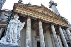 Karlskirche in Wien lizenzfreies stockfoto