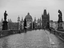 Karluv la mayoría el puente de Charles temprano por la mañana Fotos de archivo libres de regalías